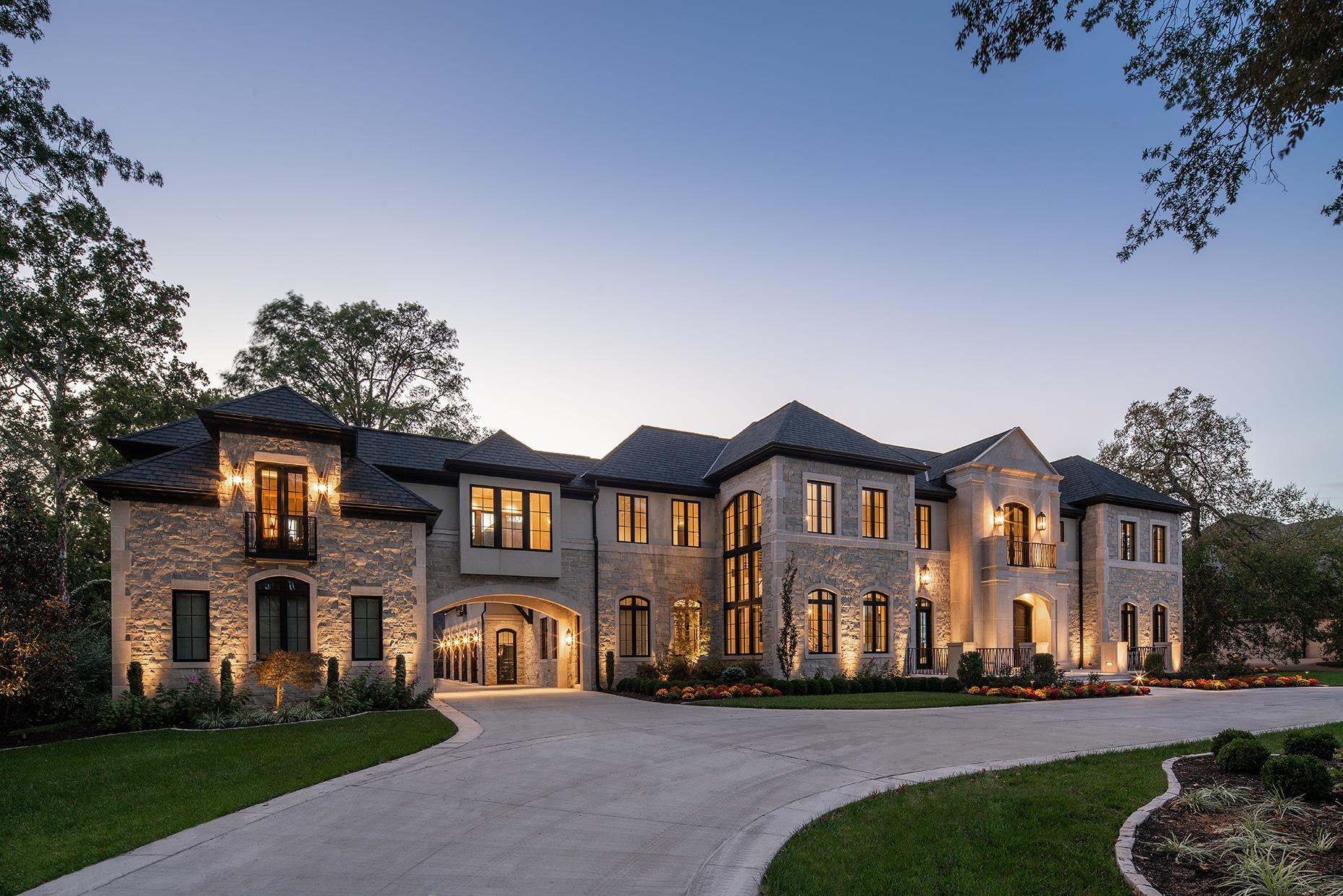 Custom Home in Frontenac, MO