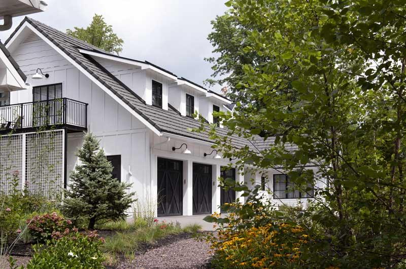Modern Farmhouse Exterior 4